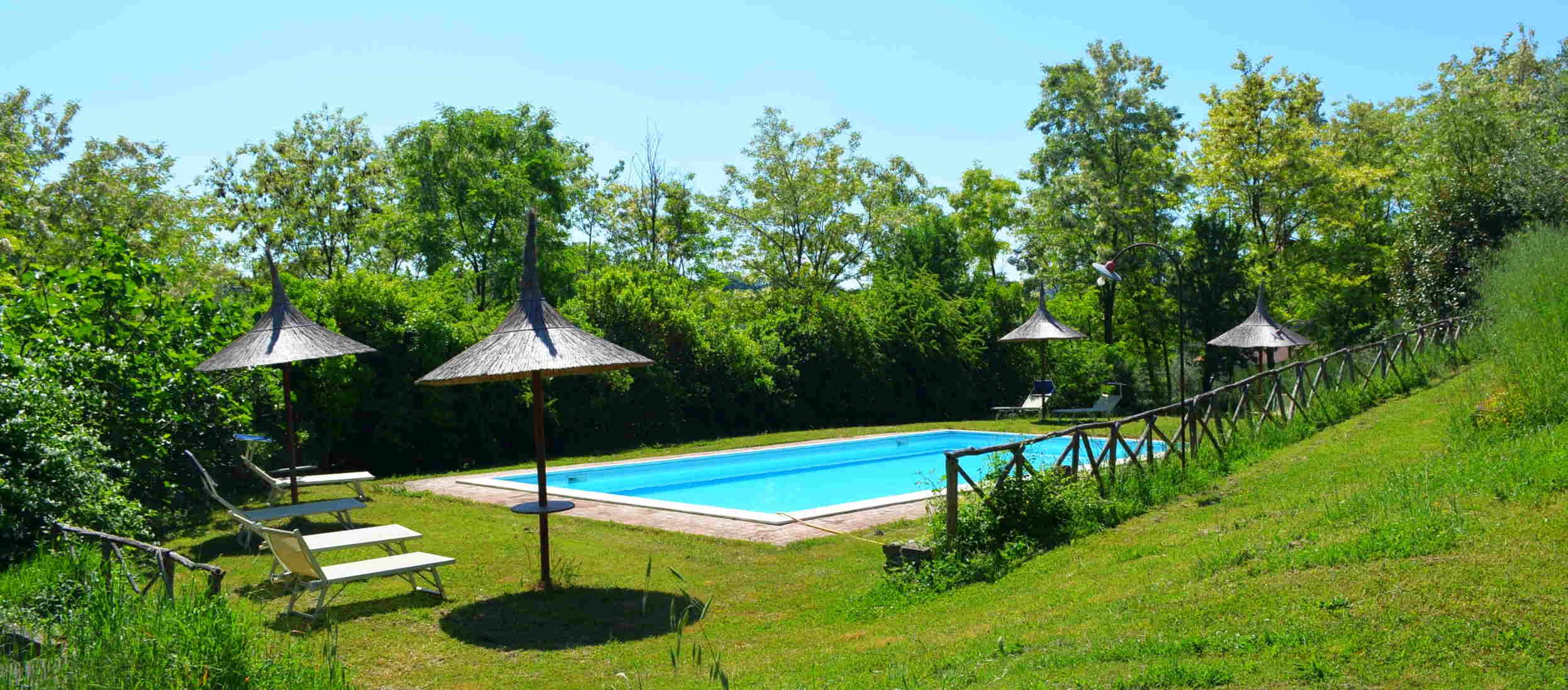 Agriturismo appartamenti umbria b b appartamenti per - B b umbria con piscina ...